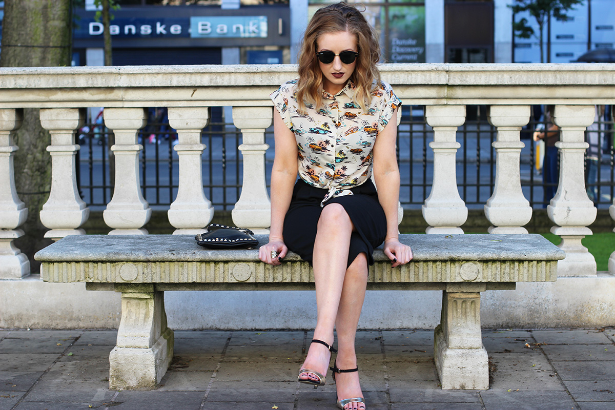 boohoo-squad,-culottes-outfit,-belfast-city-hall