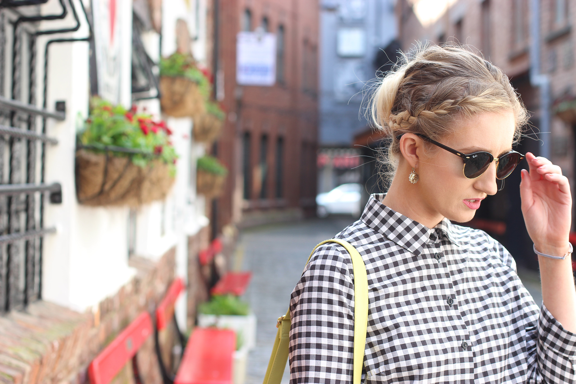styling-gingham-and-yellow,-ni-blogger-3