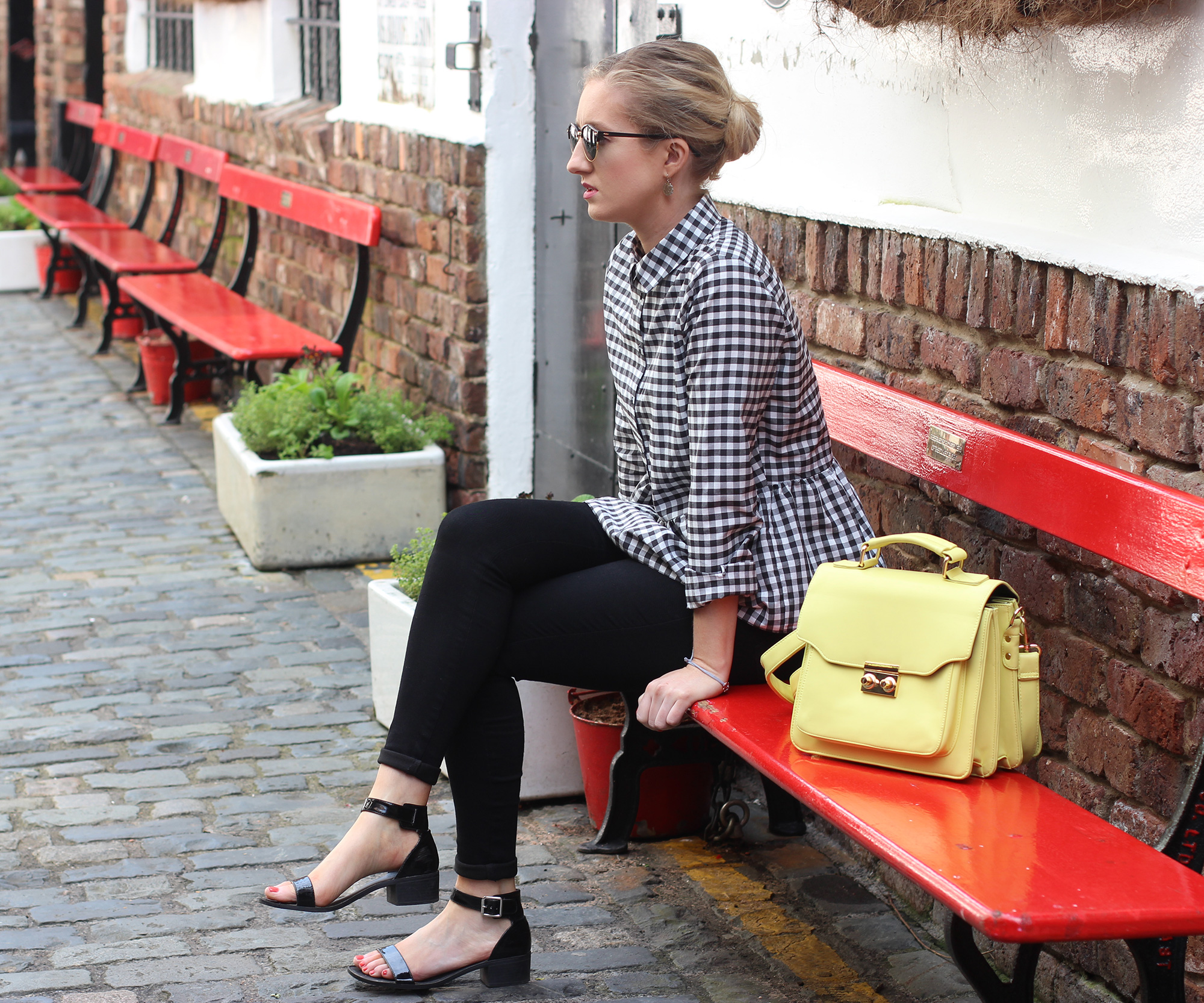 styling-gingham-and-yellow,-ni-blogger